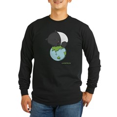 : 'Tapir on World' Long Sleeve Dark T-Shirt