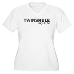 TWINS RULE my life Women's Plus Size V-Neck T-Shirt
